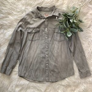 Mossimo Supply button up shirt✨